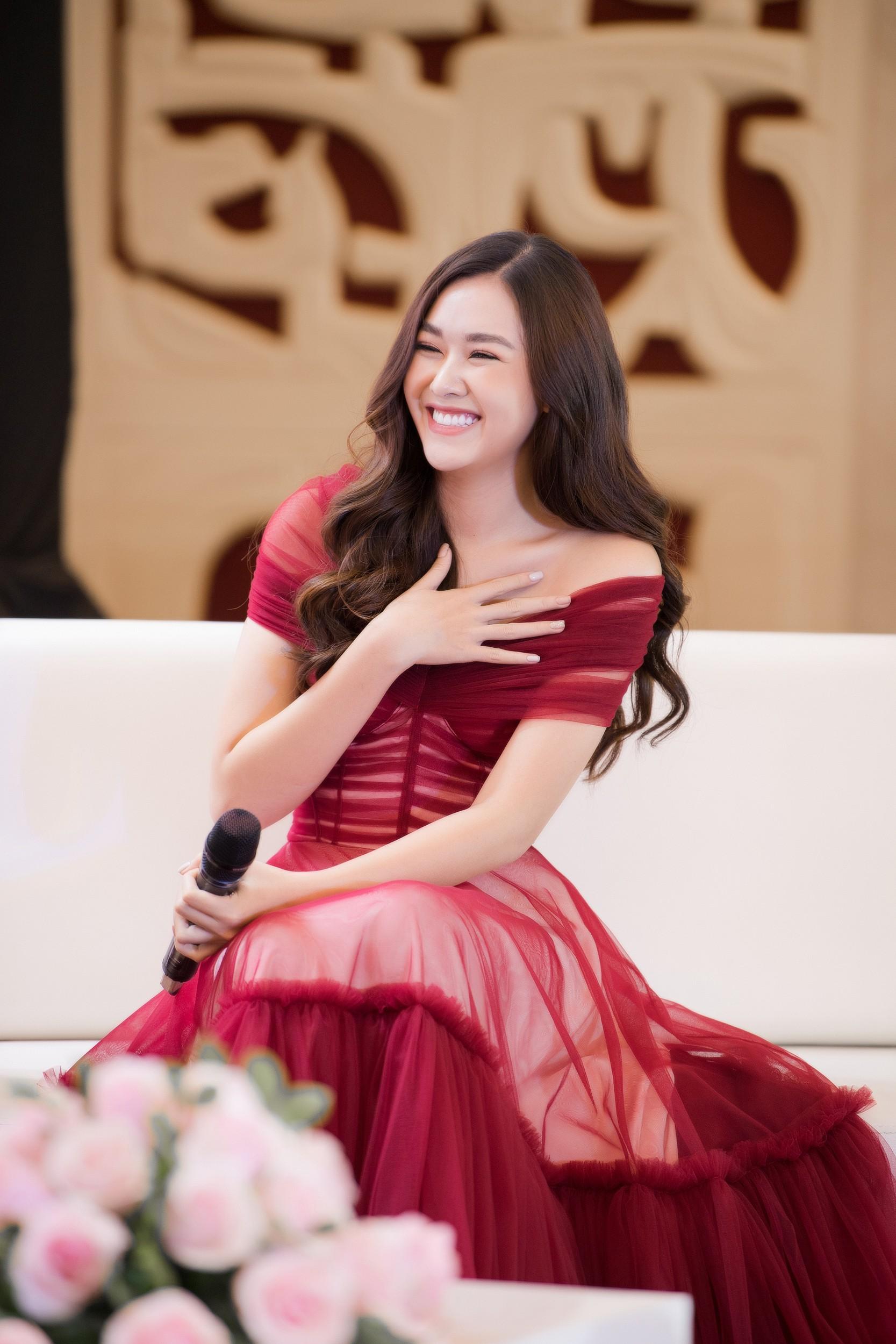 """Á hậu Tường San, Huyền My cùng """"động váy"""" tại sự kiện - Ảnh 5."""