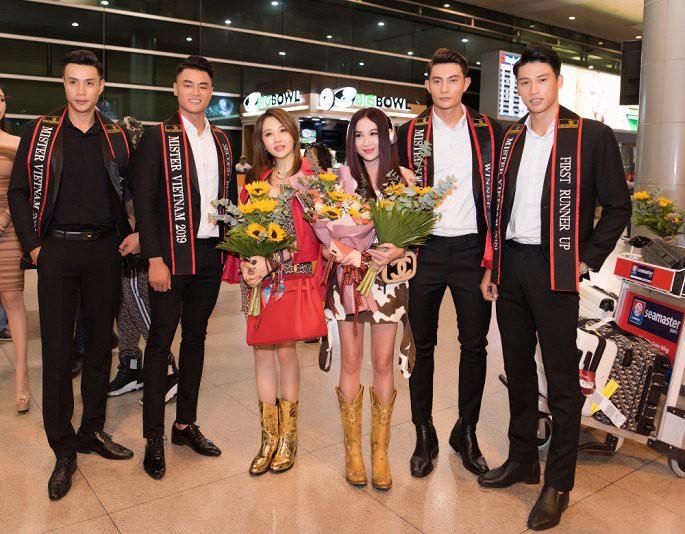 'Phan Kim Liên gợi cảm nhất màn ảnh' Ôn Bích Hà được các mỹ nam Việt chào đón - Ảnh 1.
