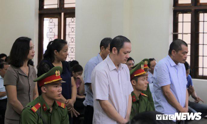 Xử gian lận thi cử Hà Giang: yêu cầu điều tra toàn diện Phó Chủ tịch tỉnh Trần Đức Quý - Ảnh 1.