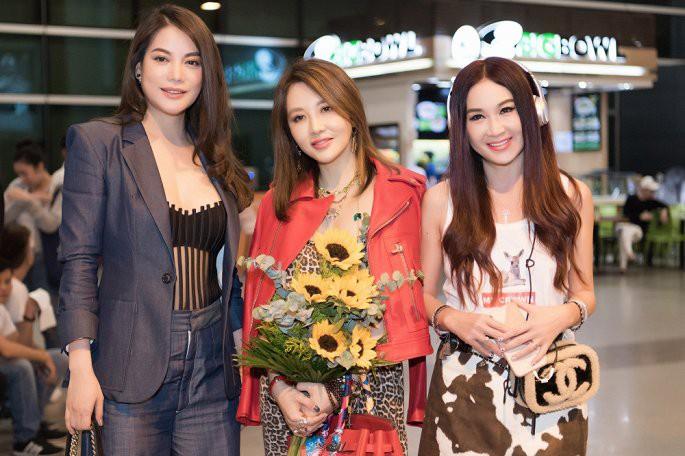 'Phan Kim Liên gợi cảm nhất màn ảnh' Ôn Bích Hà được các mỹ nam Việt chào đón - Ảnh 6.