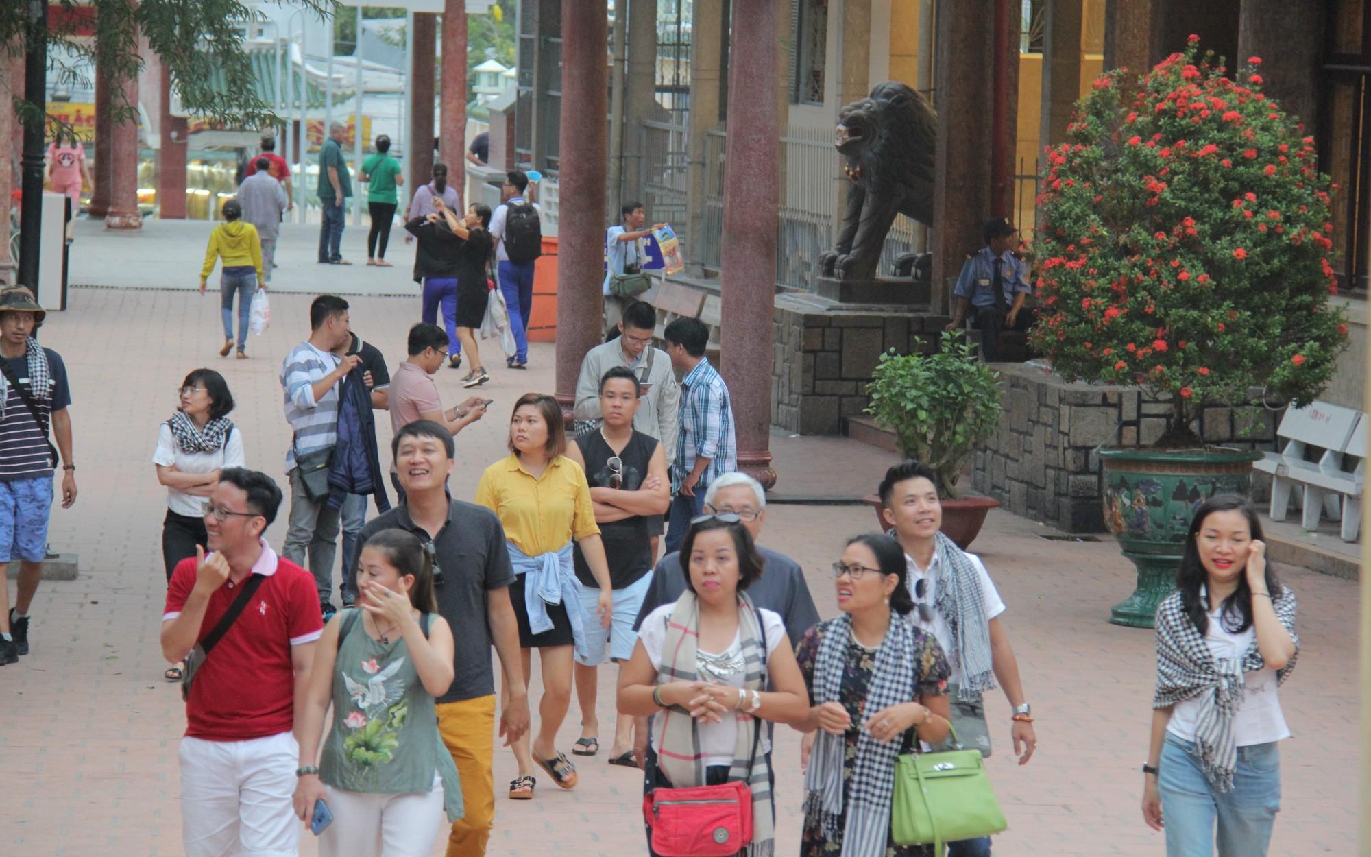 Tổng cục Du lịch yêu cầu Saigontourist giải trình rõ về những ấn phẩm có hình ảnh