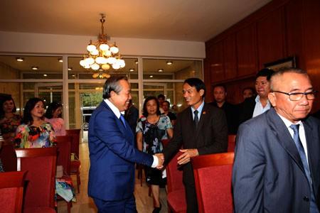 Phó Thủ tướng Thường trực thăm Đại sứ quán và cộng đồng người Việt tại Bulgaria - Ảnh 1.