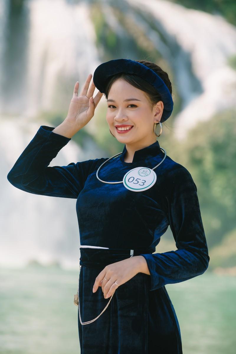 Người đẹp du lịch non nước Cao Bằng rực rỡ trong trang phục dân tộc - Ảnh 16.