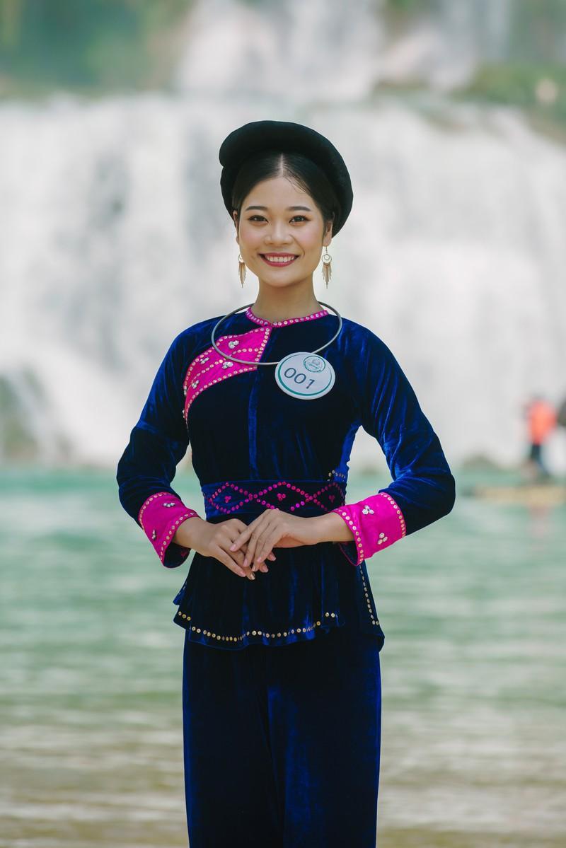 Người đẹp du lịch non nước Cao Bằng rực rỡ trong trang phục dân tộc - Ảnh 18.