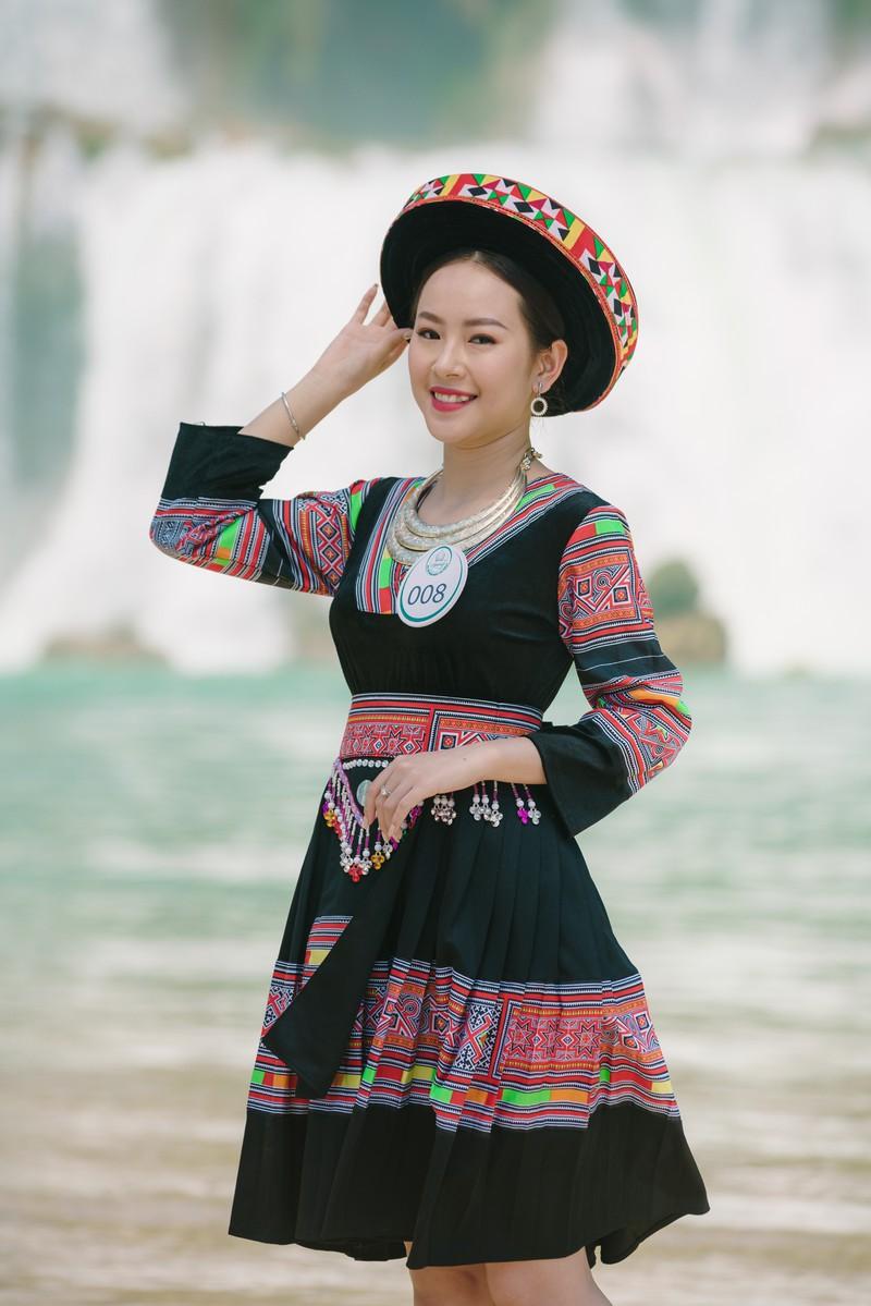 Người đẹp du lịch non nước Cao Bằng rực rỡ trong trang phục dân tộc - Ảnh 20.