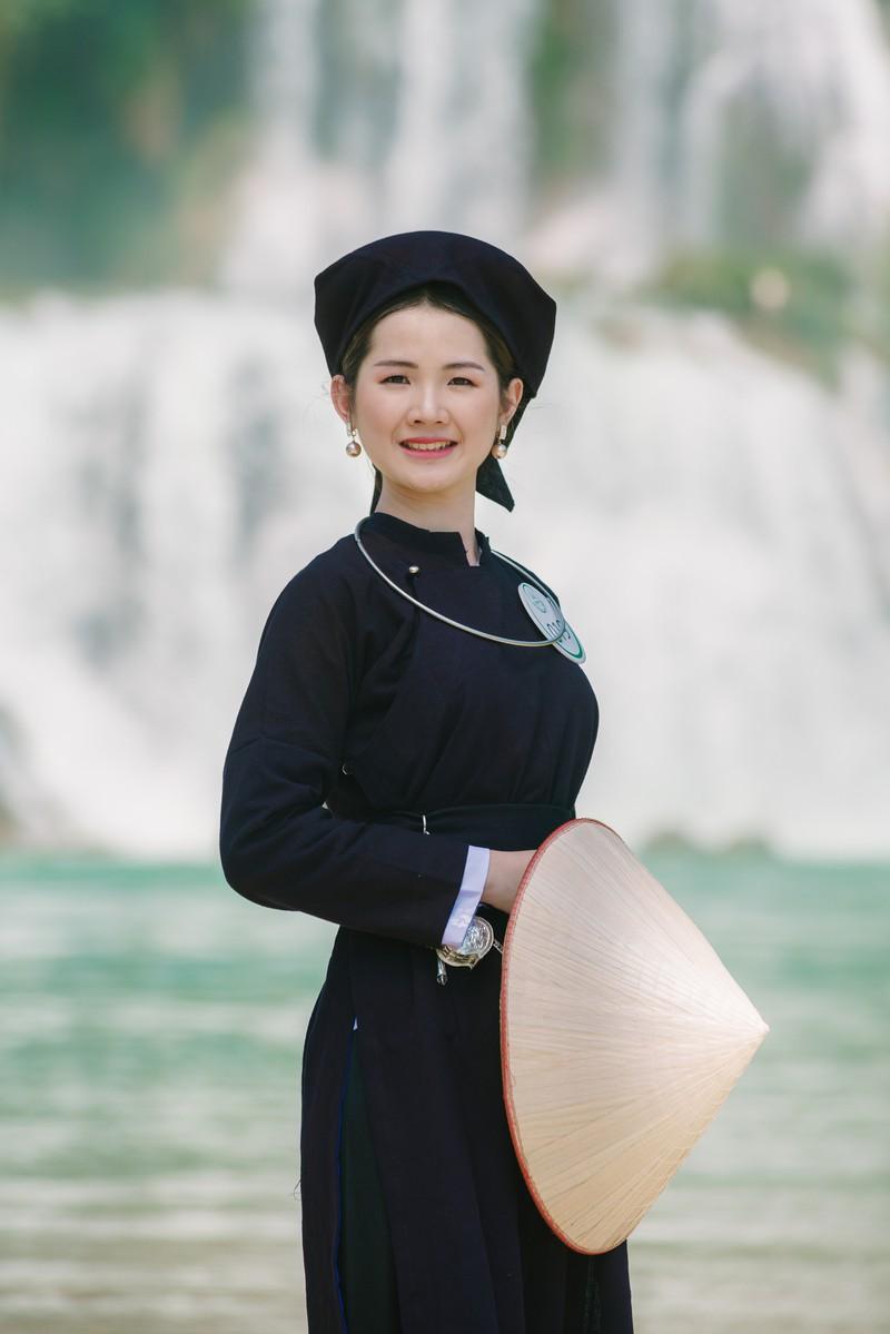 Người đẹp du lịch non nước Cao Bằng rực rỡ trong trang phục dân tộc - Ảnh 22.
