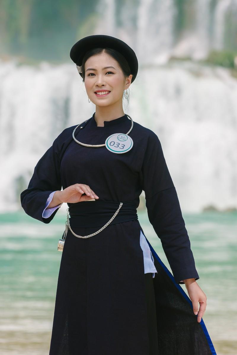 Người đẹp du lịch non nước Cao Bằng rực rỡ trong trang phục dân tộc - Ảnh 25.