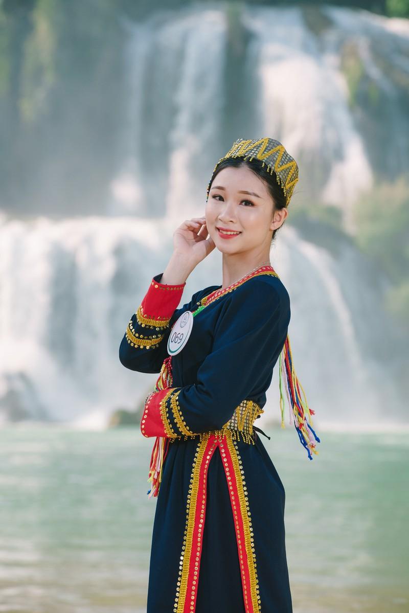 Người đẹp du lịch non nước Cao Bằng rực rỡ trong trang phục dân tộc - Ảnh 5.
