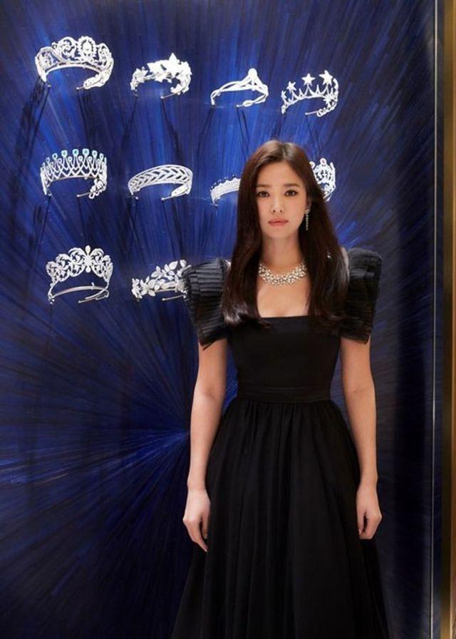 """Cận cảnh gương mặt """"mộc"""" đẹp nhất xứ Hàn của Song Hye Kyo - Ảnh 5."""