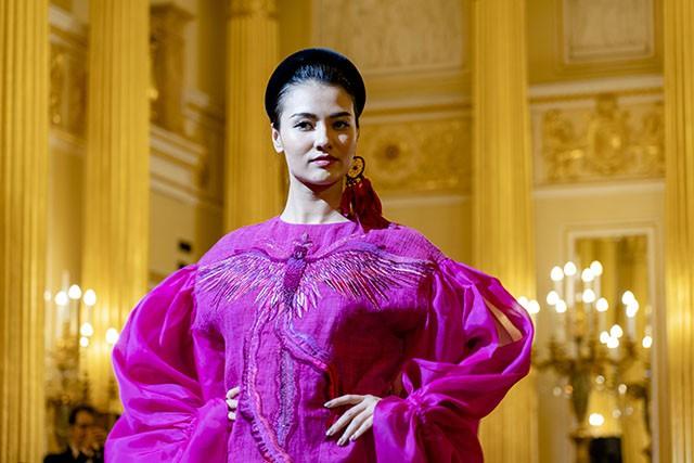 """Trình diễn bộ sưu tập thời trang """"Bí ẩn chim Phượng"""" tại LB Nga - Ảnh 10."""