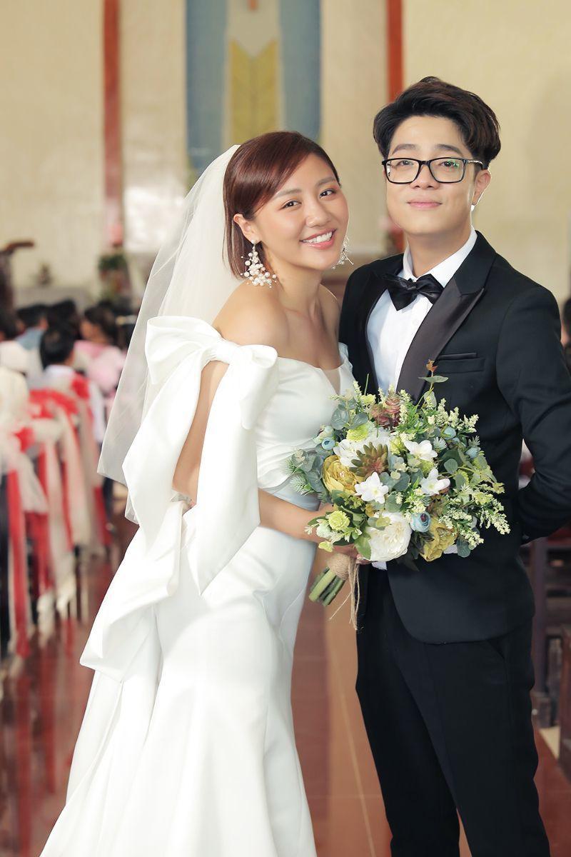 Văn Mai Hương gây bức xúc vì mập mờ chuyện kết hôn để PR sản phẩm - Ảnh 1.
