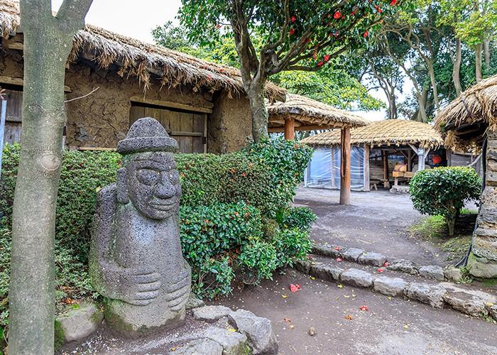 Nét đẹp văn hóa truyền thống của người dân Jeju, Hàn Quốc khiến du khách mê mẩn - Ảnh 2.