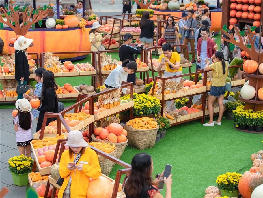 Happy Halloween, du khách Miền Trung - Tây Nguyên tiếp tục hưởng mức giá ưu đãi tới hơn 60% khi tới Bà Nà Hills. - Ảnh 1.