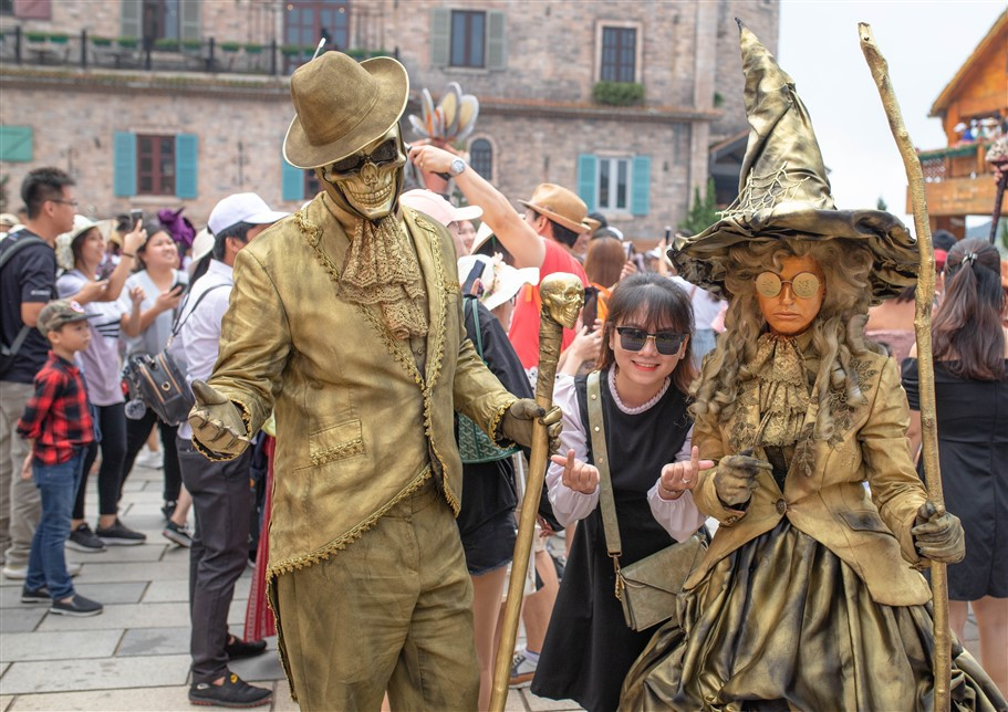 Happy Halloween, du khách Miền Trung - Tây Nguyên tiếp tục hưởng mức giá ưu đãi tới hơn 60% khi tới Bà Nà Hills. - Ảnh 12.
