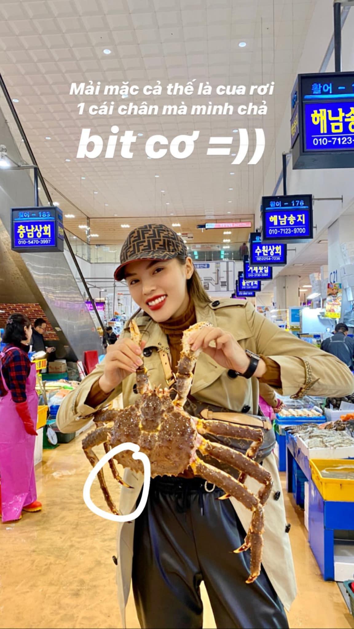 Đến chợ hải sản lớn nhất Seoul ăn cua hoàng đế mà mải mặc cả quá, mãi sau Kỳ Duyên mới phát hiện ra chú cua đã bị rụng mất một chân - Ảnh 5.