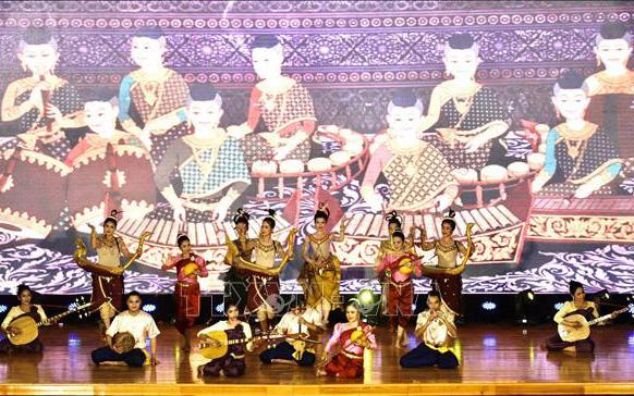 Đoàn nghệ thuật quốc gia Campuchia biểu diễn chương trình nghệ thuật tại An Giang