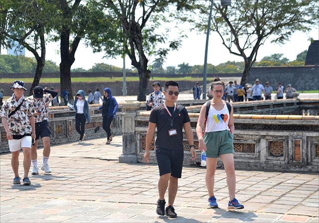 Thừa Thiên Huế: Tiếp tục tiến hành cấp đổi thẻ hướng dẫn viên du lịch - Ảnh 1.