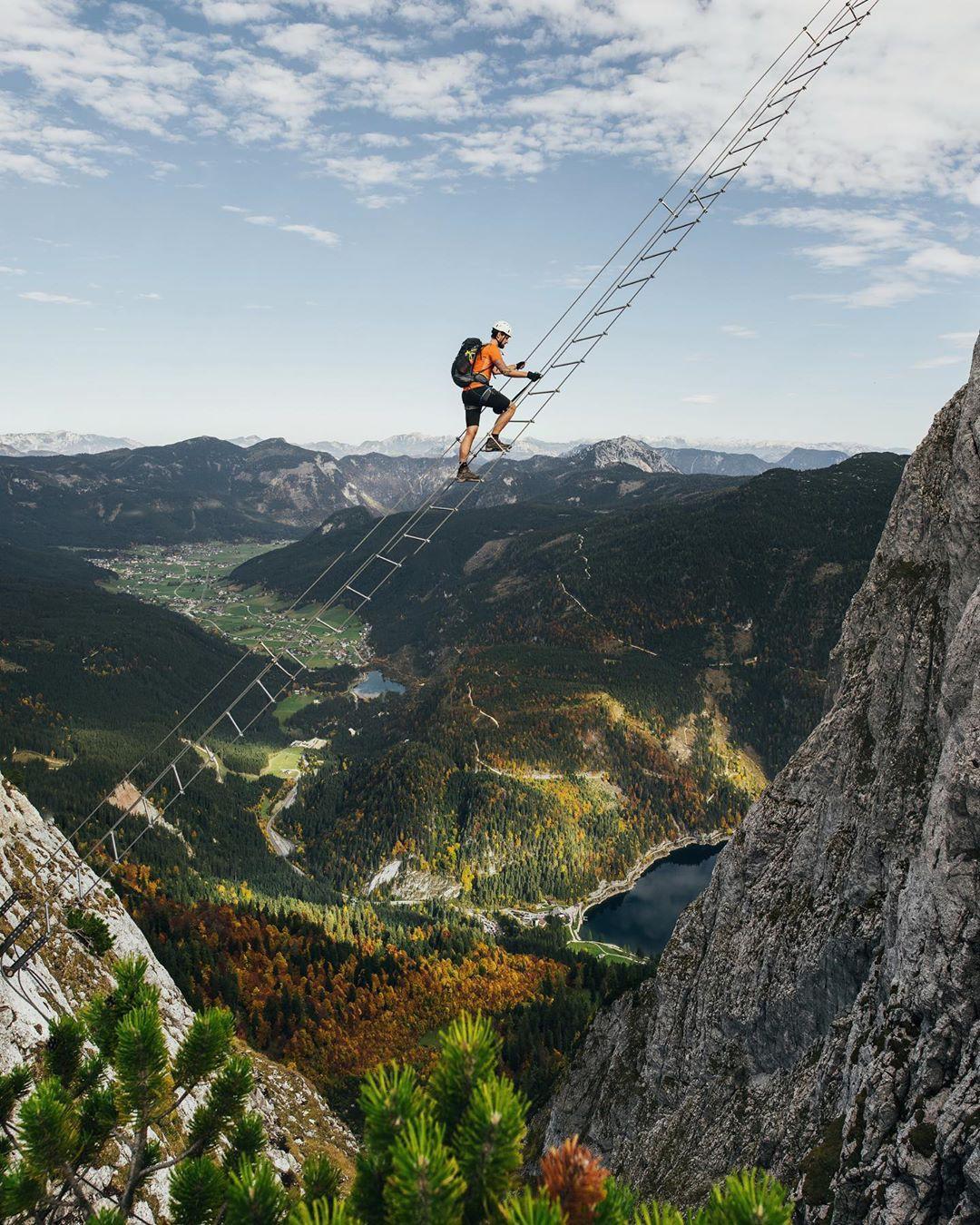 Đoạn clip chinh phục nấc thang lên thiên đường ở Áo khiến dân tình rụng rời chân tay, thu về cả chục triệu view chỉ sau vài ngày - Ảnh 3.
