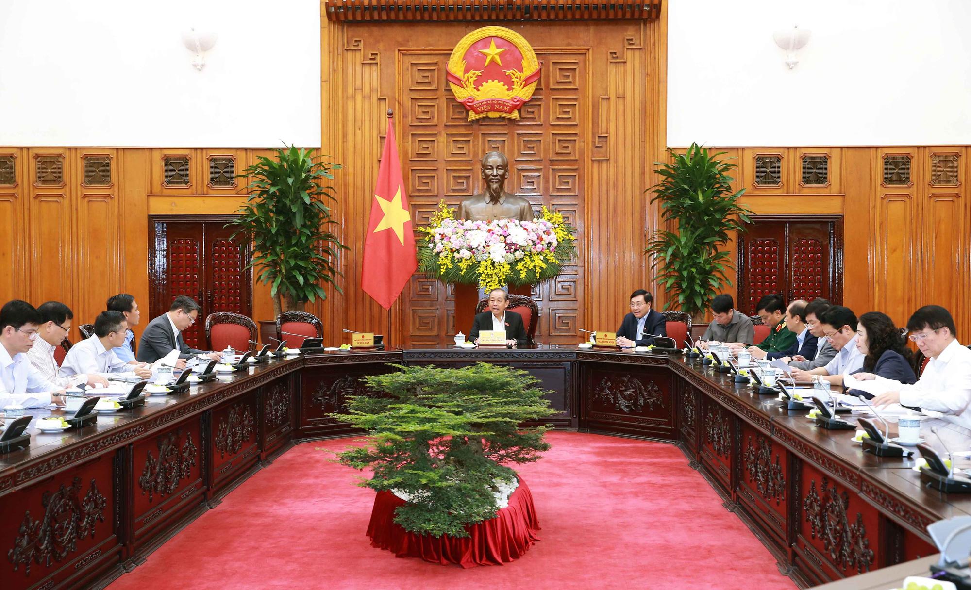 Phó Thủ tướng Thường trực Trương Hòa Bình xúc động chỉ đạo giải quyết vụ việc 39 người tử vong tại Anh - Ảnh 2.