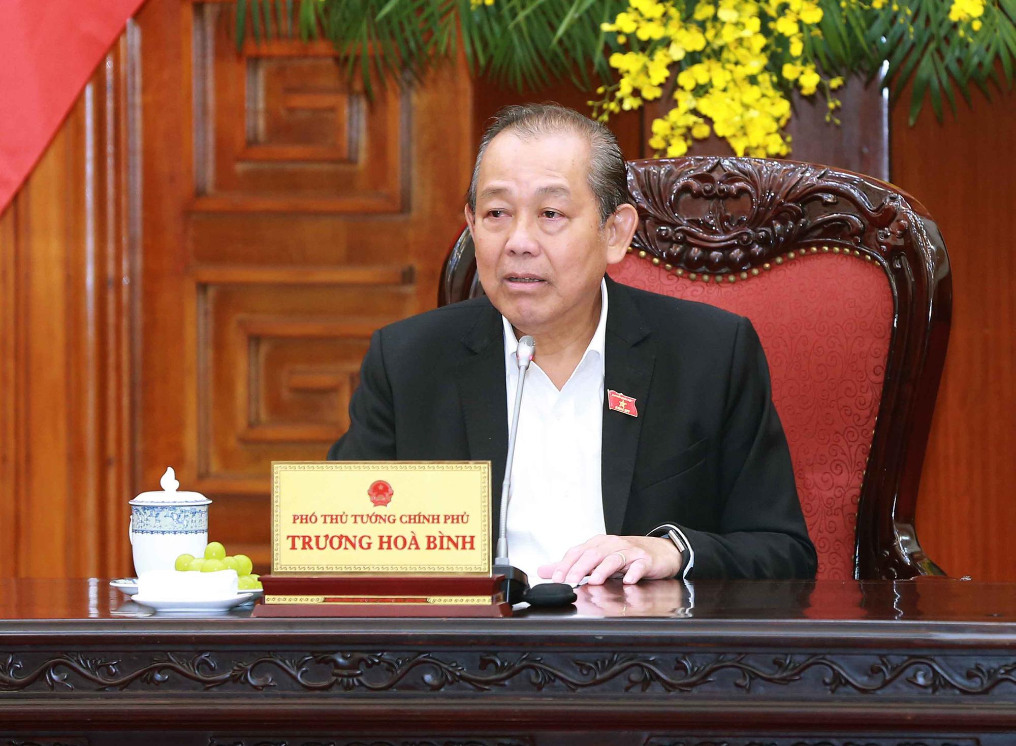 Phó Thủ tướng Thường trực Trương Hòa Bình xúc động chỉ đạo giải quyết vụ việc 39 người tử vong tại Anh - Ảnh 1.