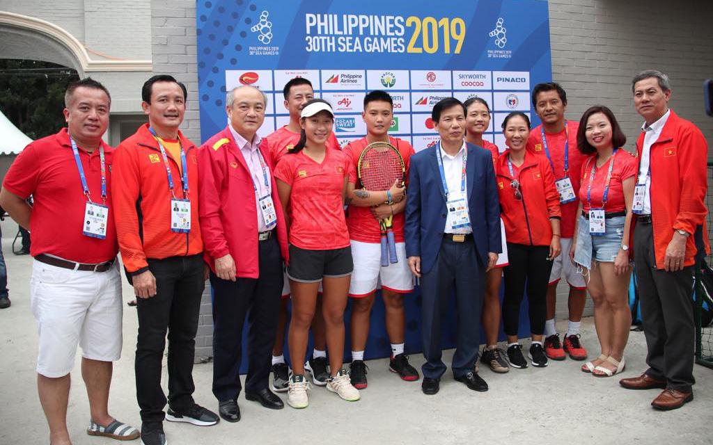 Bộ trưởng Nguyễn Ngọc Thiện trực tiếp theo dõi, chúc mừng thành tích của Đoàn Thể thao Việt Nam