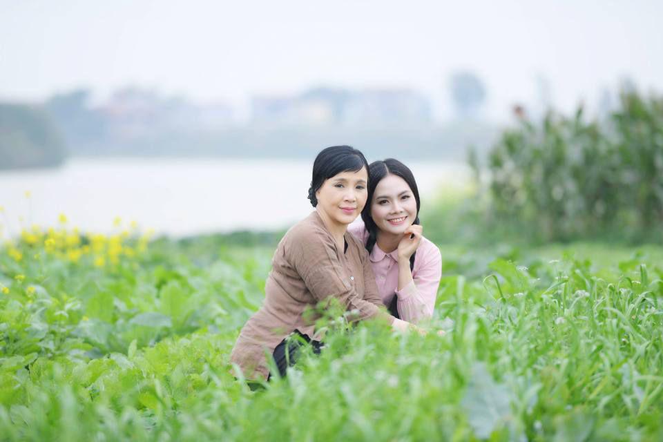 """NSND Lan Hương: """"32 năm qua, anh Bình vẫn chiều chuộng và chưa bao giờ quát vợ"""" - Ảnh 4."""