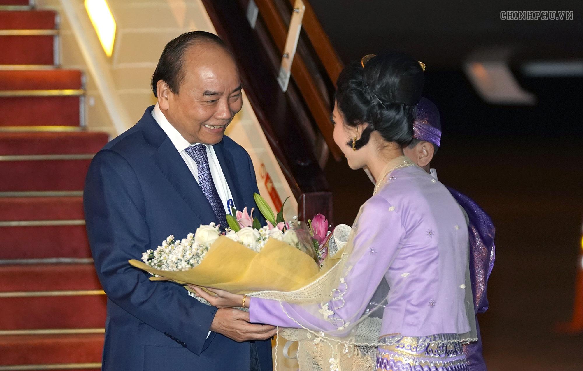 Thủ tướng đến Nay Pyi Taw, bắt đầu thăm chính thức Myanmar - Ảnh 1.