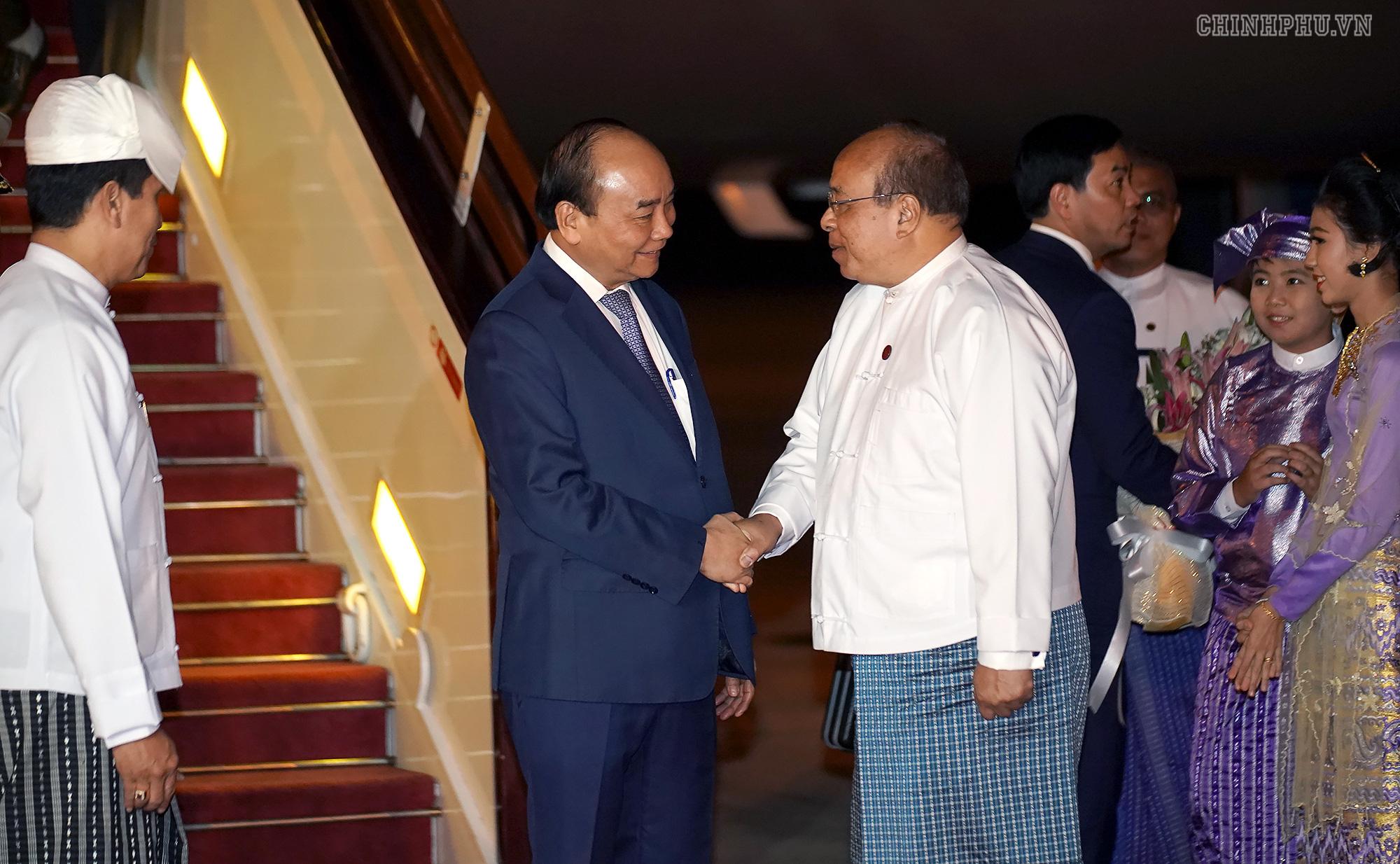 Thủ tướng đến Nay Pyi Taw, bắt đầu thăm chính thức Myanmar - Ảnh 2.