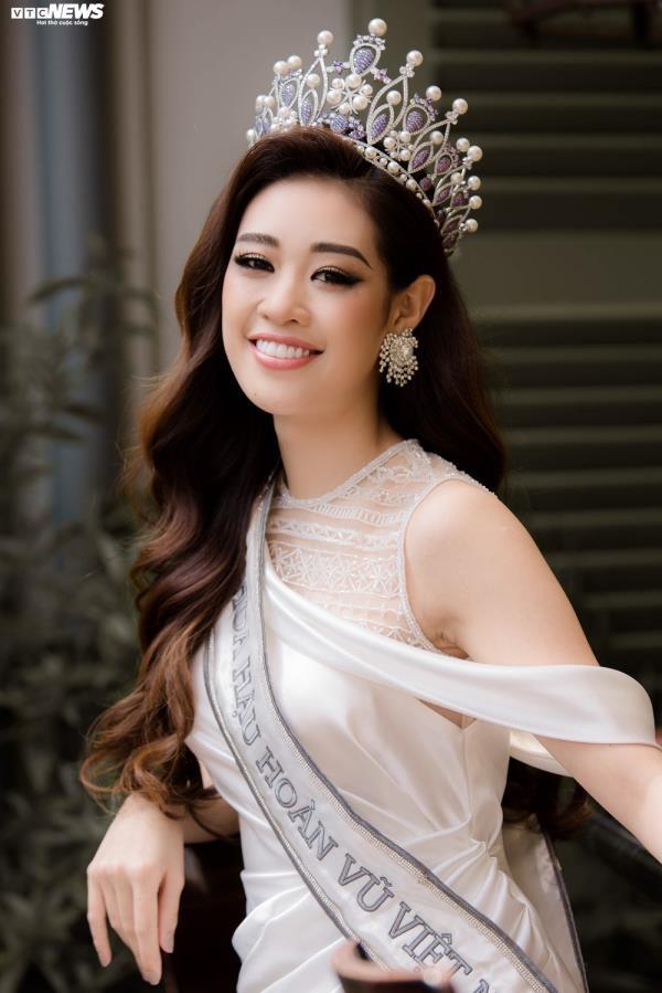 Khánh Vân từng nghĩ là Hoa hậu thì đổi đời nhưng bây giờ thì không - Ảnh 1.