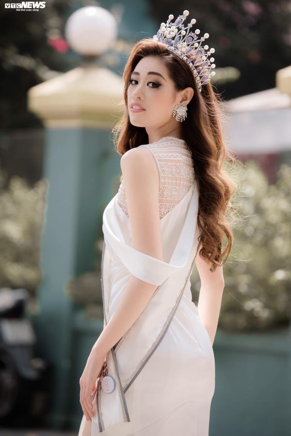 Khánh Vân từng nghĩ là Hoa hậu thì đổi đời nhưng bây giờ thì không - Ảnh 2.