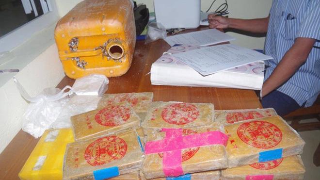 Cục Cảnh sát  điều tra tội phạm về ma túy phối hợp làm rõ số ma túy dạt vào bờ biển - Ảnh 1.
