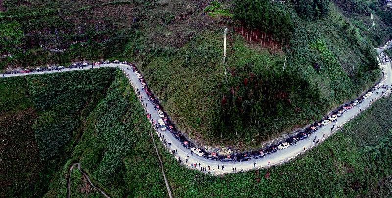 Vẻ đẹp con người rẻo cao Hà Giang qua chuyến caravan độc nhất vô nhị - Ảnh 8.