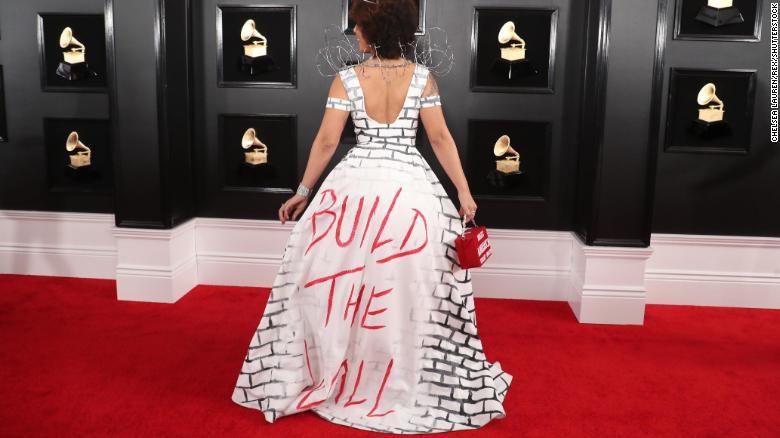 Toàn cảnh thảm đỏ Grammy 2019 rực rỡ ví như ngày hội thời trang - Ảnh 13.