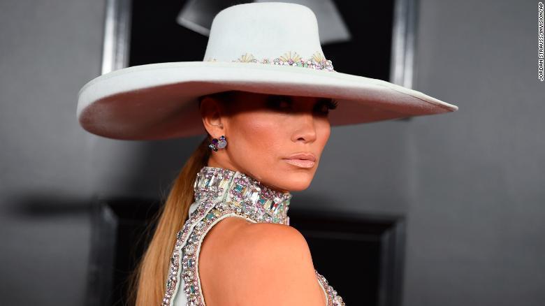 Toàn cảnh thảm đỏ Grammy 2019 rực rỡ ví như ngày hội thời trang - Ảnh 4.