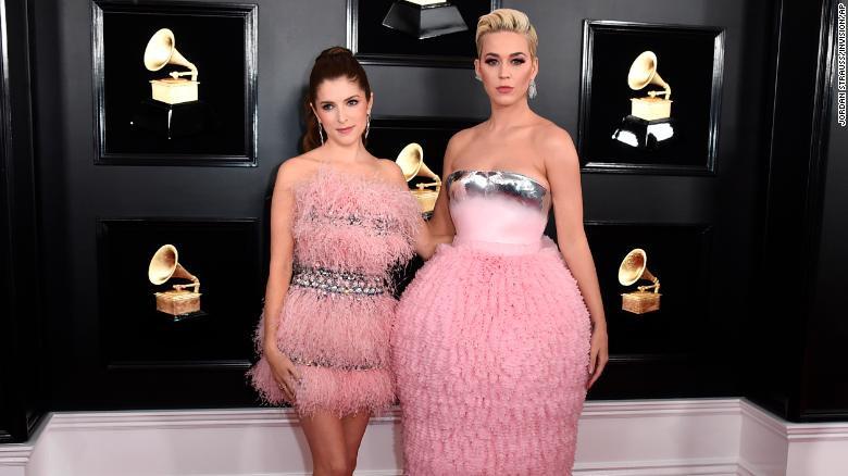 Toàn cảnh thảm đỏ Grammy 2019 rực rỡ ví như ngày hội thời trang - Ảnh 6.