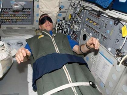 Chín điều thường nhật phi hành gia không thể làm trong không gian - Ảnh 4.