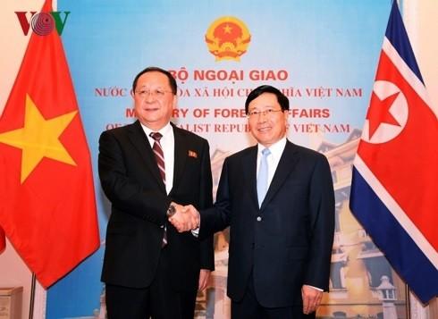 Phó Thủ tướng, Bộ trưởng Phạm Bình Minh thăm chính thức Triều Tiên - Ảnh 1.