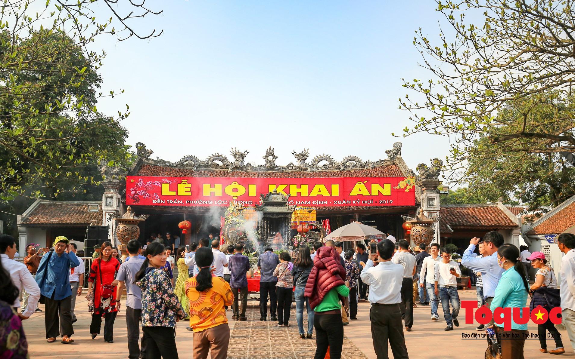 An ninh thắt chặt bảo vệ lễ khai ấn đền Trần Nam Định