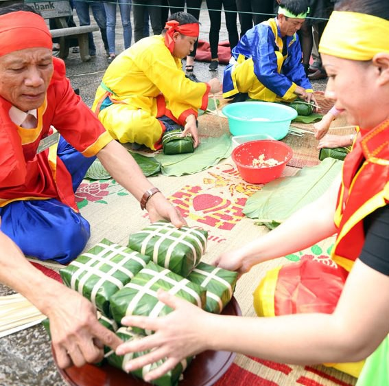 Nhiều hoạt động đặc sắc diễn ra tại Lễ hội Mùa xuân Côn Sơn Kiếp Bạc - Ảnh 1.