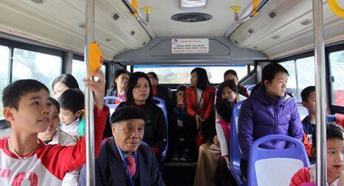 Trải nghiệm tour du lịch miễn phí bằng xe buýt