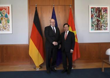 Phó Thủ tướng, Bộ trưởng Ngoại giao Phạm Bình Minh thăm Đức - Ảnh 2.