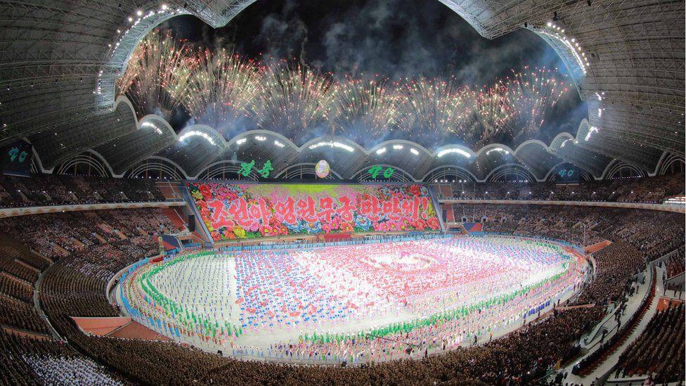 Choáng ngợp đại lễ hội Chủ tịch Kim Jong-un lựa chọn để phô diễn hình ảnh mới của Triều Tiên - Ảnh 4.