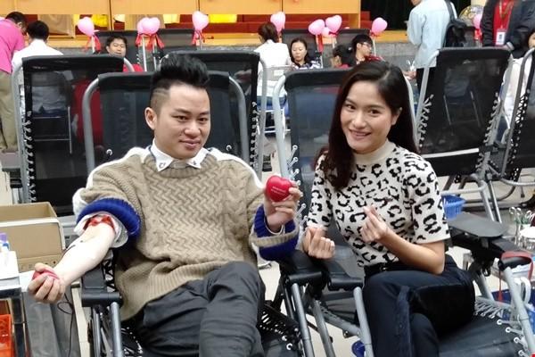 Ca sĩ Tùng Dương xông đất chính hội Lễ hội Xuân hồng 2019 - Ảnh 1.