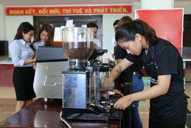 Du khách cần ghi nhớ gần 40 điểm này để thưởng thức miễn phí cà phê - Ảnh 1.