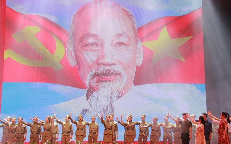 Tổ chức Liên hoan Tuyên tuyền lưu động kỷ niệm 65 năm Ngày chiến thắng Điện Biên Phủ tại 7 tỉnh/thành phố