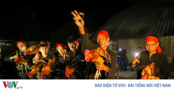 Pái nhnáng: Lễ bái tổ tông của người Dao Đỏ đêm 30 Tết