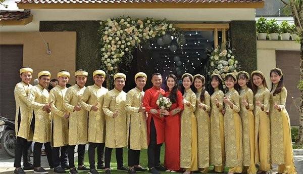 Tết Kỷ Hợi: Hội cầu thủ Việt cực đẹp trong áo dài cách tân - Ảnh 14.