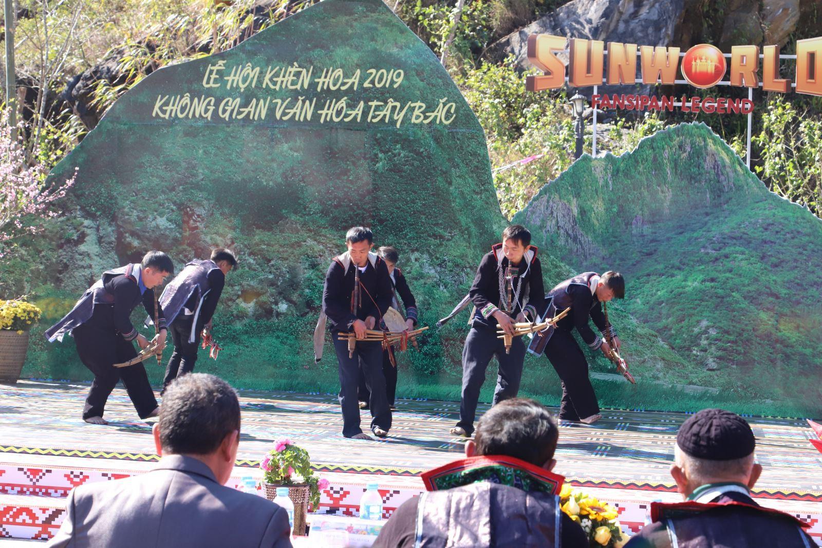 Tưng bừng Lễ hội Khèn hoa và Hội Xuân mở cổng trời Fansipan 2019