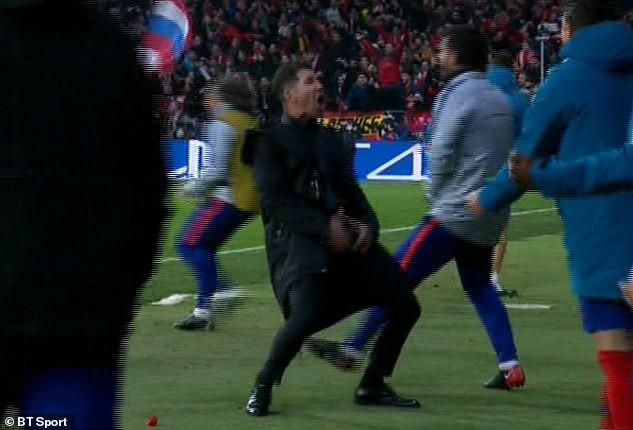 Đây là cách Cristina Ronaldo hủy diệt HLV Atletico Madrid cả trong và ngoài sân cỏ - Ảnh 1.