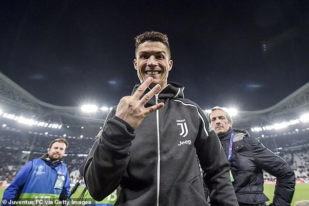 HLV Zidane hé lộ thời điểm đưa Cristiano Ronaldo về lại Real Madrid? - Ảnh 3.